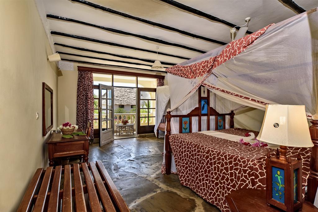 Kenya - Ôclub Experience Jacaranda Beach Resort 4*