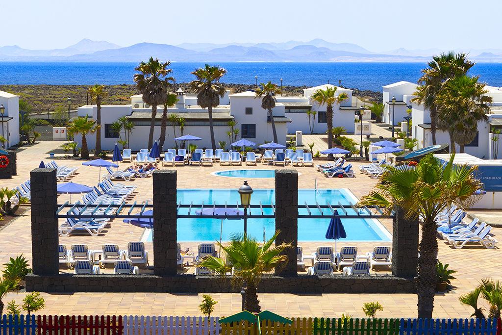 Hôtel Vik Coral Beach 3*